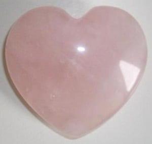 Cristalloterapia-Quarzo-Rosa-proprietà-e-significato-3