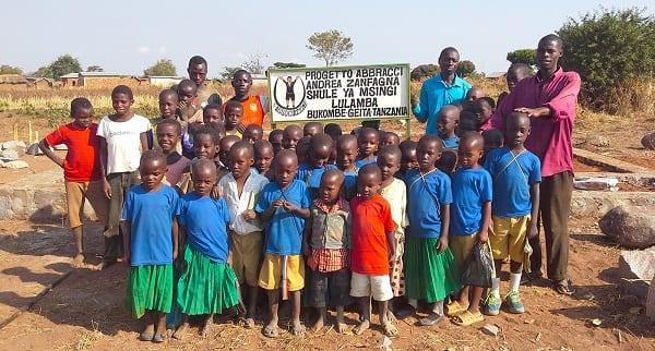 Progetto Abbracci Andrea Zanfagna Tanzania bambini